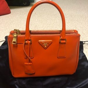 REDUCED FURTHER Prada Saffiano Tote Vernica BN2316